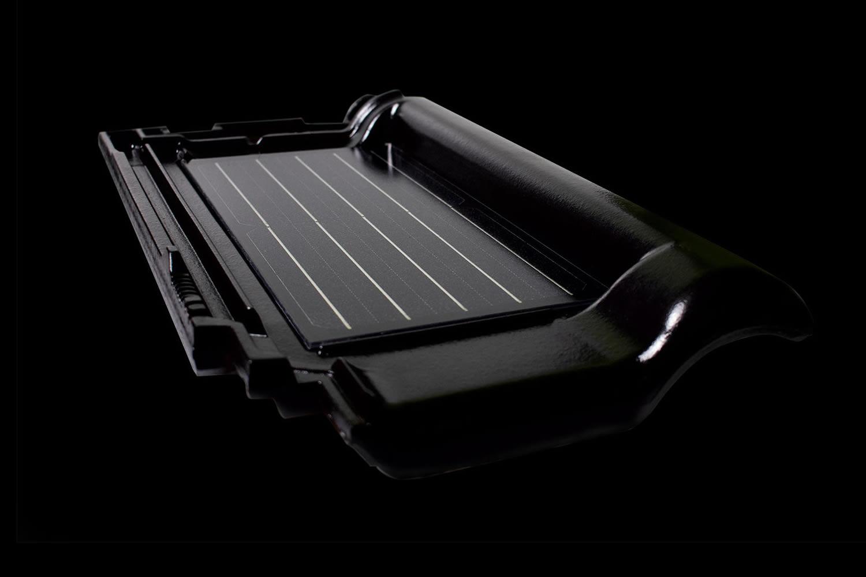Solar-tile-silverline2